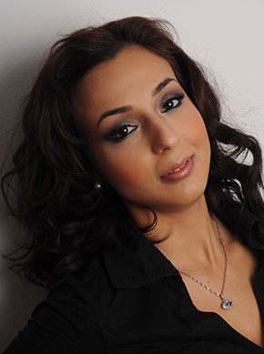 Despina-Gavala-makeup-artist