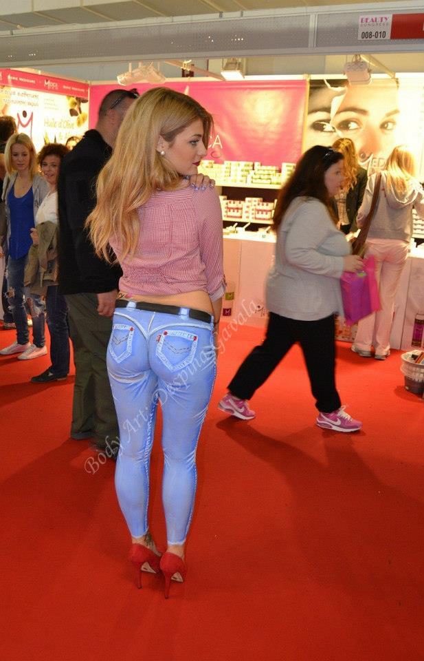 Bodypainting-blue-jeans